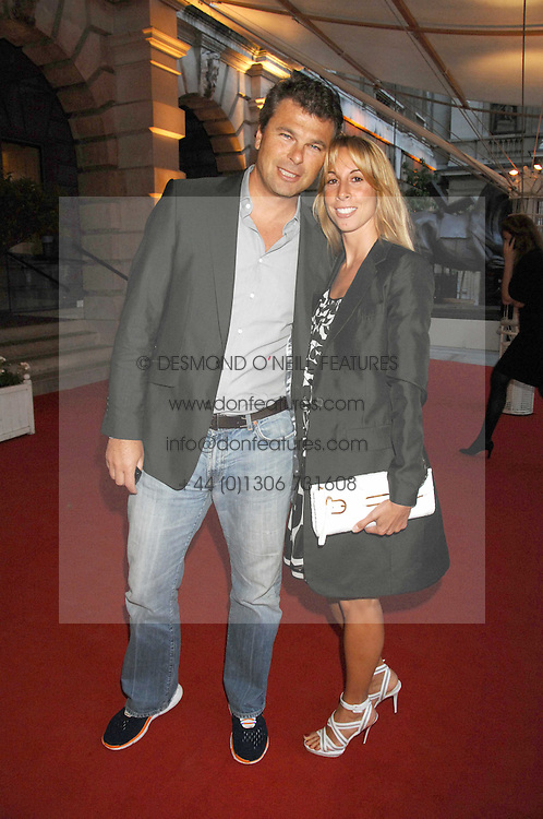 JONATHAN & HAYLEY SIEFF at the Royal Academy of Art Summer Exhibition Preview Party on 4th June 2008.<br /><br />NON EXCLUSIVE - WORLD RIGHTS