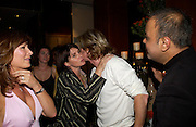 Lesley Clarke, Sadie Frost, Nicky Clarke and Dr. Nish Joshi. Book launch for Dr. Joshi's Holistic Dett. The Arts Club, 40 Dover st. London. 26 May 2005. ONE TIME USE ONLY - DO NOT ARCHIVE  © Copyright Photograph by Dafydd Jones 66 Stockwell Park Rd. London SW9 0DA Tel 020 7733 0108 www.dafjones.com