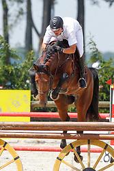 Mertens Jan (BEL) - Good-Looking van 't Heike<br /> Nationaal Kampioenschap Jonge Paarden<br /> Stal Hulsterlo - Meerdonk 2010<br /> © Dirk Caremans