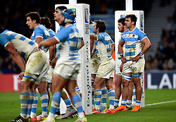 Argentina players look dejected after the match - Mandatory byline: Patrick Khachfe/JMP - 07966 386802 - 25/10/2015 - RUGBY UNION - Twickenham Stadium - London, England - Argentina v Australia - Rugby World Cup 2015 Semi Final.