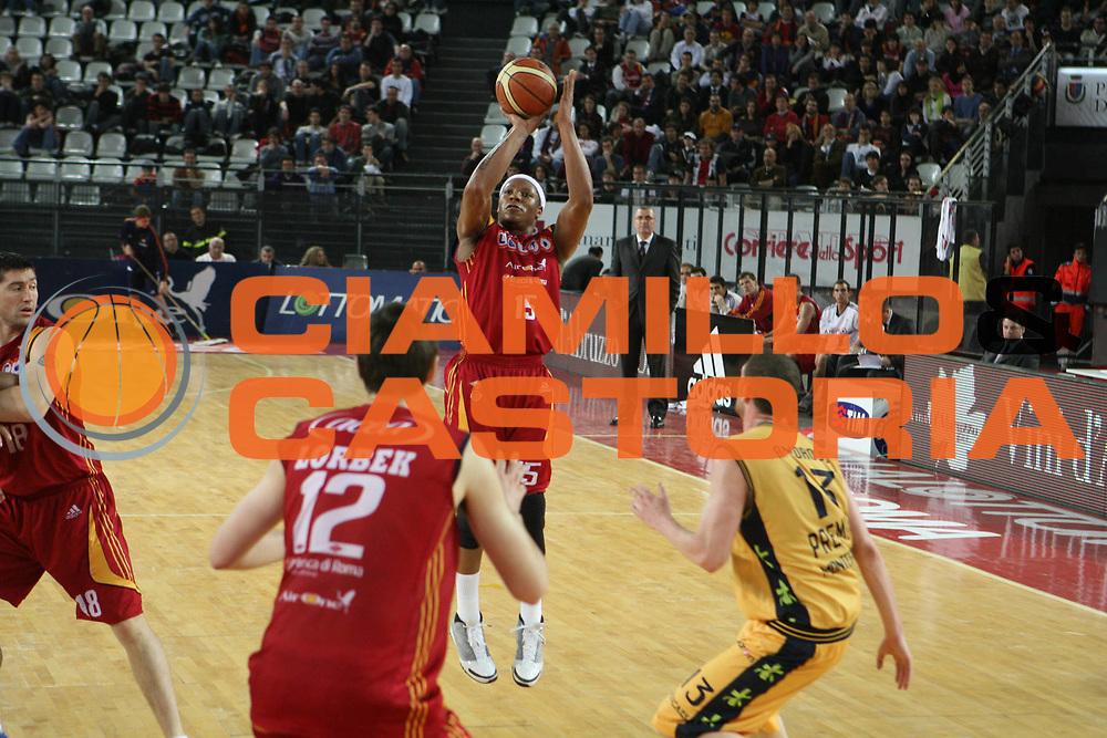 DESCRIZIONE : Roma Lega A1 2007-08 Lottomatica Virtus Roma Premiata Montegranaro<br />GIOCATORE : David Hawkins<br />SQUADRA : Lottomatica Virtus Roma<br />EVENTO : Campionato Lega A1 2007-2008 <br />GARA : Lottomatica Virtus Roma Premiata Montegranaro<br />DATA : 17/04/2008 <br />CATEGORIA : Tiro<br />SPORT : Pallacanestro <br />AUTORE : Agenzia Ciamillo-Castoria/G.Ciamillo