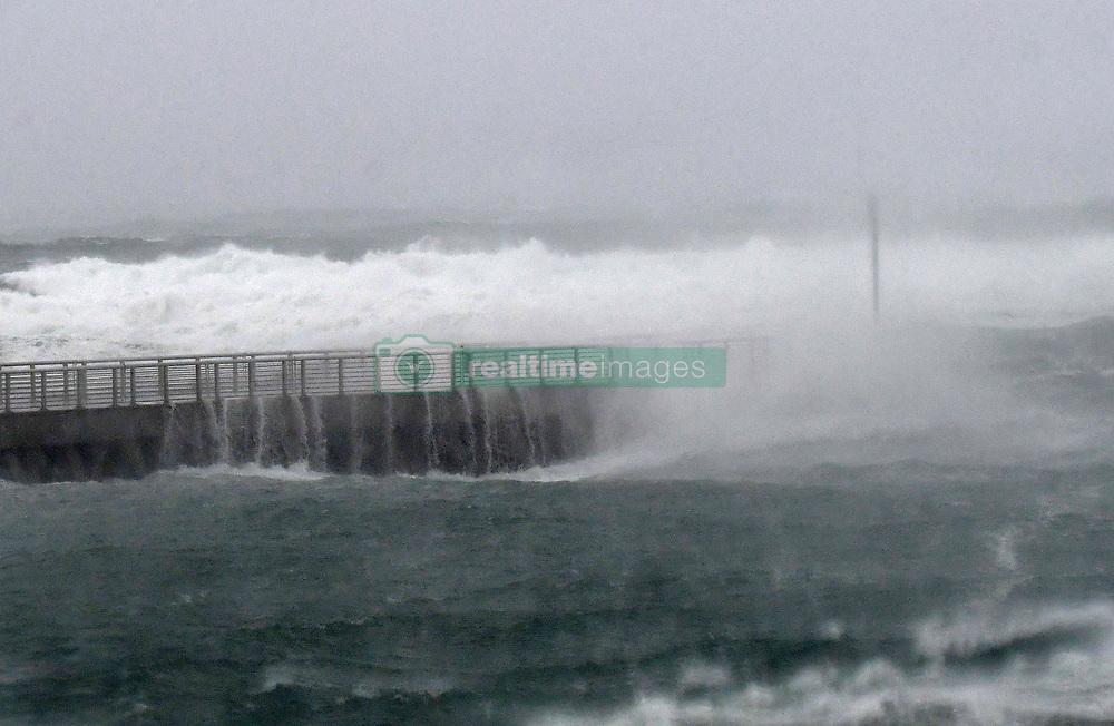 September 10, 2017 - Boynton Beach, FL, USA - Hurricane Irma arrives in Boynton Beach. Boynton Beach, FL. 9/10/17. Staff Photographer Jim Rassol  (Credit Image: © Sun-Sentinel via ZUMA Wire)