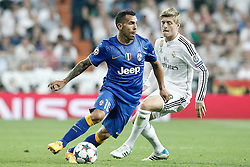 13.05.2015, Estadio Santiago Bernabeu, Madrid, ESP, UEFA CL, Real Madrid vs Juventus Turin, Halbfinale, R&uuml;ckspiel, im Bild Real Madrid's Toni Kroos (r) and Juventus' Carlos Tevez // during the UEFA Champions League semi finals 2nd Leg match between Real Madrid CF and Juventus FC at the Estadio Santiago Bernabeu in Madrid, Spain on 2015/05/13. EXPA Pictures &copy; 2015, PhotoCredit: EXPA/ Alterphotos/ Acero<br /> <br /> *****ATTENTION - OUT of ESP, SUI*****