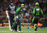 Pakistan captain Sarfraz Ahmed celebrates winning the series.<br /> Pakistan tour of New Zealand. T20 Series. 3rd Twenty20 international cricket match, Bay Oval, Mt Maunganui, New Zealand. Sunday 28 January 2018. © Copyright Photo: Andrew Cornaga / www.Photosport.nz