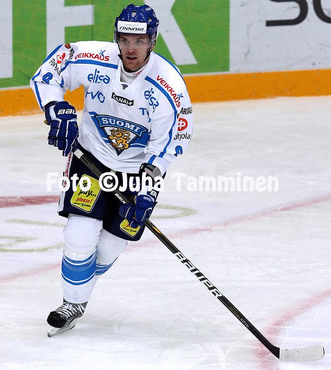 10.11.2011, Hartwall-Areena, Helsinki, Finland..Euro Hockey Tour - Karjala-turnaus 2011. Suomi - Venj / Finland v Russia..Jyrki Vlivaara - Suomi..