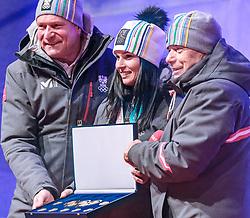 27.02.2018, Salzburg, AUT, PyeongChang 2018, ÖOC Medaillenfeier, im Bild v.l.: ÖSV Präsident Peter Schröcksnadel, Anna Veith, ÖOC-Generalsekretär Peter Mennel // during a ÖOC medal celebration Party after the Olympic Winter Games Pyeongchang 2018 in Salzburg, Austria on 2018/02/27. EXPA Pictures © 2018, PhotoCredit: EXPA/ JFK