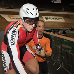 28-12-2014: Wielrennen: NK Baanwielrennen: Apeldoorn<br />Jeffrey Hoogland na zijn gewonnen titel op het NK