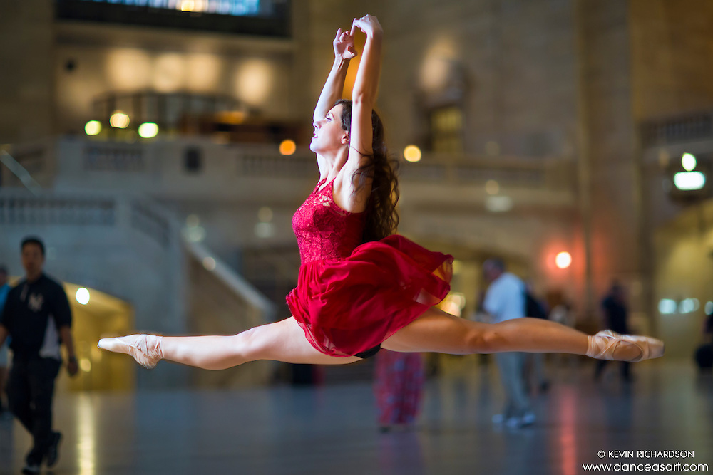 Grand Jetee Ballerina at Grand Central Terminal Dance As Art Photography with Lindsey Horrigan.