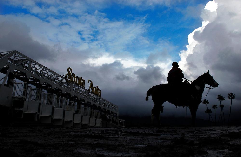 2/18/05 4:08:37 PM --- HORSE RACING SPORTS SHOOTER ACADEMY 001 --- Horse Racing  at Santa Anita.<br /> Photo by Tim Lytvinenko, Sports Shooter Academy