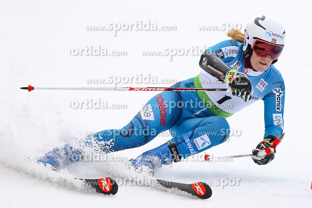 26.11.2016, Killington, USA, FIS Weltcup Ski Alpin, Killington, Riesenslalom, Damen, 1. Lauf, im Bild Nina Loeseth (NOR) // Nina Loeseth of Norway in action during 1st run of ladies giant slalom of FIS ski alpine world cup at the Killington, Austria on 2016/11/26. EXPA Pictures &copy; 2016, PhotoCredit: EXPA/ SM<br /> <br /> *****ATTENTION - OUT of GER*****