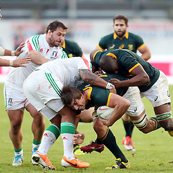 PADUA, ITALY - NOVEMBER 22: Eben Etzebeth of South Africa driving forward during the Castle Lager Outgoing Tour match between Italy and South African at Stadio Euganeo on November 22, 2014 in Padua, Italy. (Photo by Steve Haag/Gallo Images)