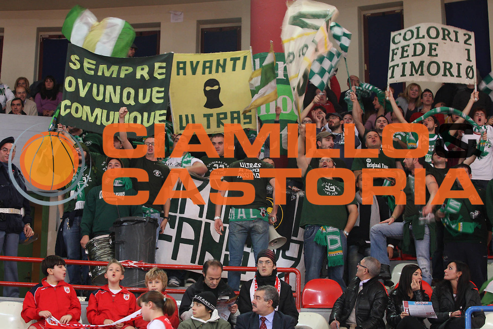 DESCRIZIONE : Teramo Lega A 2009-10 Banca Tercas Teramo Air Avellino<br /> GIOCATORE : Supporters Tifosi<br /> SQUADRA : Air Avellino<br /> EVENTO : Campionato Lega A 2009-2010<br /> GARA : Banca Tercas Teramo Air Avellino<br /> DATA : 06/12/2009<br /> CATEGORIA : Supporters Tifosi<br /> SPORT : Pallacanestro<br /> AUTORE : Agenzia Ciamillo-Castoria/G.Ciamillo<br /> Galleria : Lega Basket A 2009-2010 <br /> Fotonotizia : Teramo Campionato Italiano Lega A 2009-2010 Banca Tercas Teramo Air Avellino<br /> Predefinita :