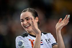 03-12-2017 DEU: 23rd Women World Championship China - Netherlands, Leipzig<br /> De Nederlandse handbalsters hebben hun tweede pouleduel in groep D op het WK in Duitsland zeer overtuigend gewonnen. In de Arena Leipzig was Nederland met 40-15 te sterk voor China. / Yvette Broch #13 of Netherlands