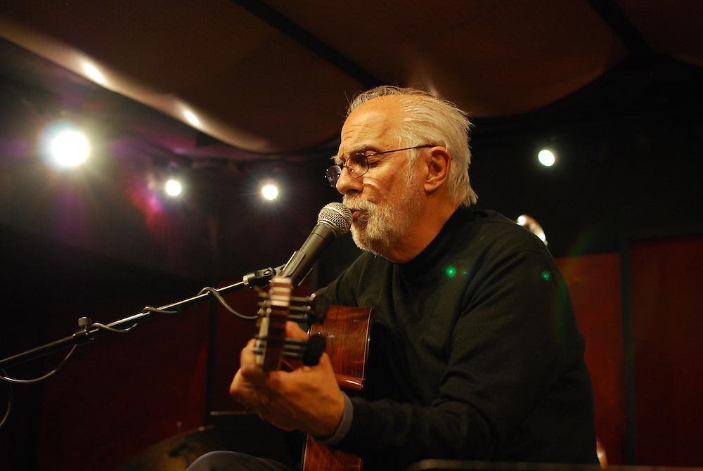 Brazilian Bossa Nova legend Oscar Castro-Neves performs at the Nashville Jazz Workshop.