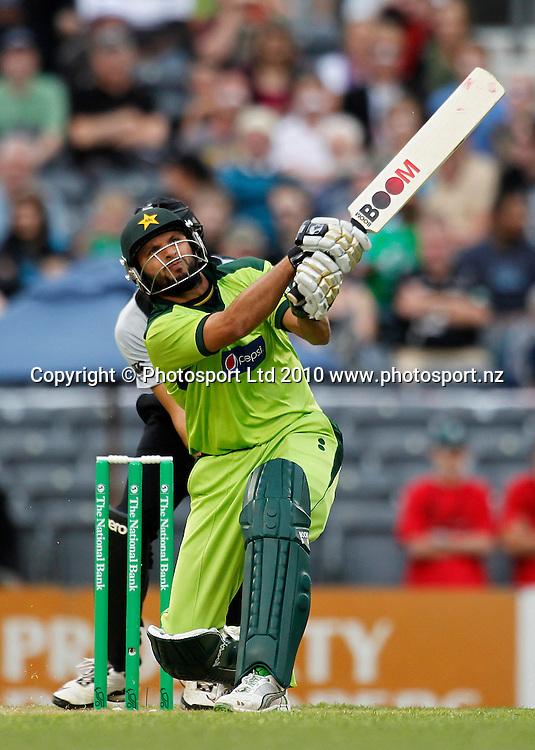 Pakistan balsman Shahid Afridi hits a six. New Zealand Black Caps v Pakistan, Match 3. Twenty 20 Cricket match at AMI Stadium, Christchurch, New Zealand. Thursday 30 December 2010. Photo: Simon Watts/photosport.co.nz