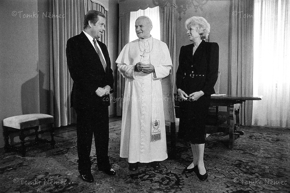 Vaclav and Olga Havel - visit in Vatican and meeting with John Paul II