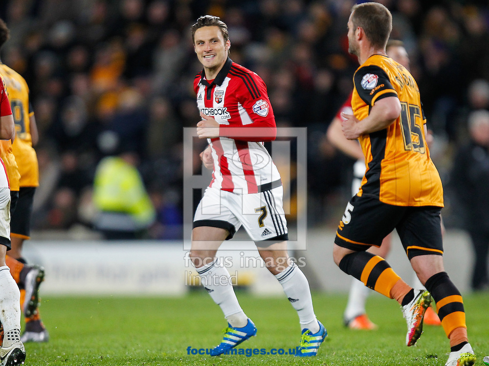 Sam Saunders of Brentford during the Sky Bet Championship match between Hull City and Brentford at KC Stadium, Hull<br /> Picture by Mark D Fuller/Focus Images Ltd +44 7774 216216<br /> 26/04/2016