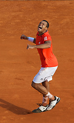 MONTE-CARLO, MONACO - Tuesday, April 13, 2010: Jo-Wilfried Tsonga (FRA) celebrates after his 7-6 (5), 7-5 victory during the Men's Singles 2nd Round at the ATP Masters Series Monte-Carlo at the Monte-Carlo Country Club. (Photo by David Rawcliffe/Propaganda)