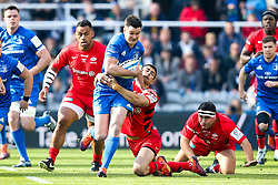 Johnny Sexton of Leinster Rugby is tackled by Alex Lozowski of Saracens - Mandatory by-line: Robbie Stephenson/JMP - 11/05/2019 - RUGBY - St James' Park - Newcastle, England - Leinster Rugby v Saracens - Heineken Champions Cup Final