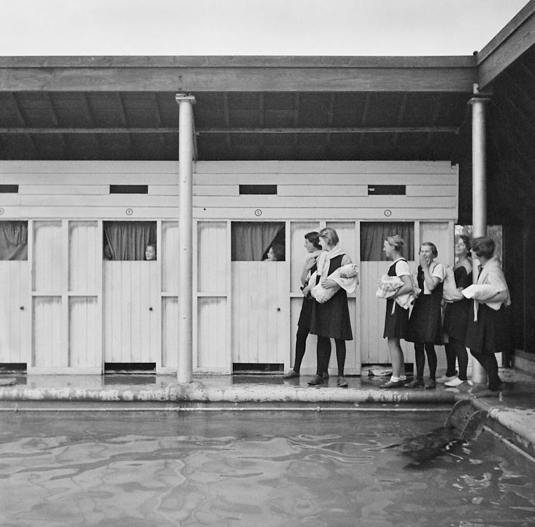 Swimming Pool, Roedean School, Brighton, Sussex, England, 1935