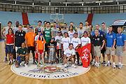 Cagliari, 05/08/2009<br /> Nazionale Italiana Maschile incontra i ragazzi di Special Olympics<br /> Nella foto: team, special olympics<br /> Foto Ciamillo