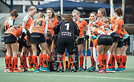 Den Haag - Hoofdklasse hockey dames, HDM-GRONINGEN  (6-2).  team huddle   COPYRIGHT KOEN SUYK