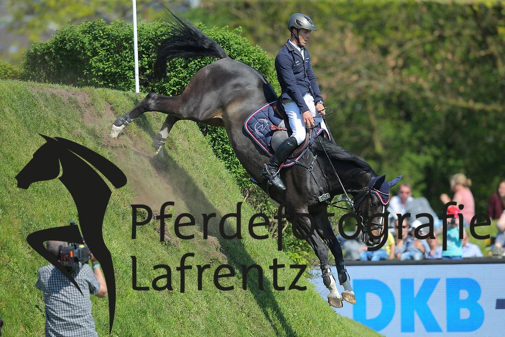 Hamburg - Hamburger Derby 2016<br /> Tillmann, Gilbert (GER) Hadjib<br /> &copy; Stefan Lafrentz