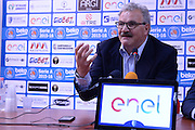 DESCRIZIONE : Brindisi  Lega A 2016-17 <br /> Enel Brindisi presentazione coach Meo Sacchetti<br /> GIOCATORE : Meo Sacchetti Fernando Marino<br /> CATEGORIA : Conferenza stampa Allenatore Coach<br /> SQUADRA : Enel Brindisi<br /> EVENTO : Campionato Lega A 2016-2017<br /> GARA : Enel Brindisi presentazione coach Meo Sacchetti<br /> DATA : 09/05/2016<br /> SPORT : Pallacanestro<br /> AUTORE : Agenzia Ciamillo-Castoria/M.Longo<br /> Galleria : Lega Basket A 2016-2017<br /> Fotonotizia : Brindisi  Lega A 2016-17 Enel Brindisi presentazione coach Meo Sacchetti<br /> Predefinita :