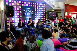 """PC Siqueira no debate no espaço  """"Daora o Hub"""" que debateu sobre 'O futuro do conteúdo em vÌdeo - youtube > tv' , no Youpix Poa 2012, que acontece na ESPM, em Porto Alegre. FOTO: Emmanuel Denaui/Preview.com"""