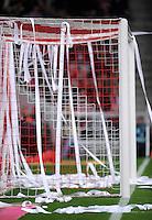 Fussball 1. Bundesliga :  Saison   2010/2011   12. Spieltag  14.11.2010 FC Bayern Muenchen - 1 FC Nuernberg Papierrollen im TOR welche die Bayern Fans geworfen haben