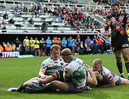 Alex Walmsley of St Helens scores the try against Hull FC during the Betfred Super League match at the Dacia Magic Weekend at St. James's Park, Newcastle<br /> Picture by Stephen Gaunt/Focus Images Ltd +447904 833202<br /> 20/05/2017