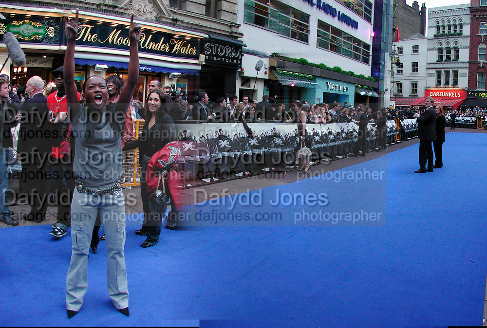 The blue carpet at the X -Men 2 premiere, London. © Copyright Photograph by Dafydd Jones 66 Stockwell Park Rd. London SW9 0DA Tel 020 7733 0108 www.dafjones.com