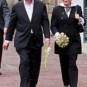 NLD/Amsterdam/20110722 - Afscheidsdienst voor John Kraaijkamp, Frans Mulder met Marianne van Wijnkoop