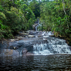 """Cachoeira (paisagem) fotografado no Caparaó, Espírito Santo -  Sudeste do Brasil. Bioma Mata Atlântica. Registro feito em 2018.<br /> ⠀<br /> ENGLISH: Waterfall photographed in Caparaó, Espírito Santo - Southeast of Brazil. Atlantic Forest Biome. Picture made in 2018."""