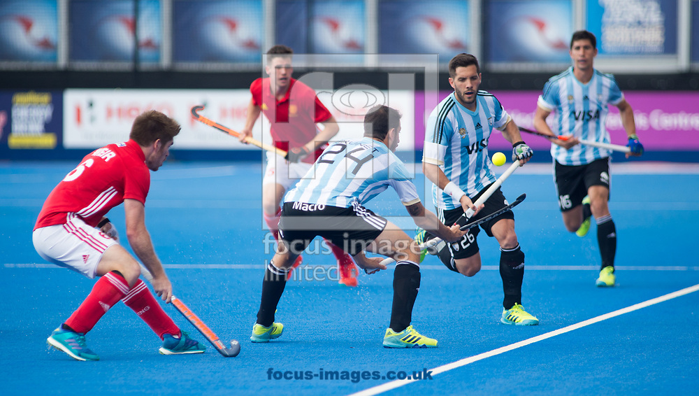 Manuel Brunet of Argentina trying to keep the ball from going out of play on day four of the Men's Hero Hockey World League Semi-Finals at Lee Valley Hockey Centre, Stratford<br /> Picture by Hannah Fountain/Focus Images Ltd 07814482222<br /> 18/06/2017