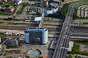 Nederland, Zuid-Holland, Zoetermeer, 23-05-2011; Kantoor FME / CWM, (werkgeversorganisatie voor de technologische industrie ) , De Poort van Zoetermeer, stadshart aan de Boerhavelaan in Zoetermeer, naast de A12 met een overdekte voetgangersburg, de Nelson Mandelabrug. Pedestrian bridge over roadway A12 runs through the building the .Gate of Zoetermeer. .luchtfoto (toeslag), aerial photo (additional fee required).copyright foto/photo Siebe Swart