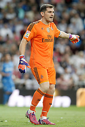 23.05.2015, Estadio Santiago Bernabeu, Madrid, ESP, Primera Division, Real Madrid vs FC Getafe, 38. Runde, im Bild Real Madrid's Iker Casillas // during the Spanish Primera Division 38th round match between Real Madrid CF and Getafe FCat the Estadio Santiago Bernabeu in Madrid, Spain on 2015/05/23. EXPA Pictures &copy; 2015, PhotoCredit: EXPA/ Alterphotos/ Acero<br /> <br /> *****ATTENTION - OUT of ESP, SUI*****