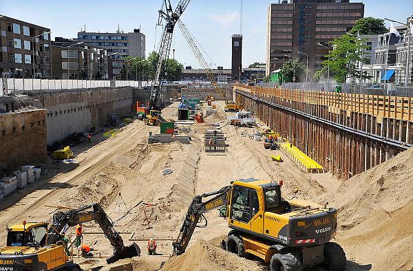 Nederland, Nijmegen, 25-5-2011Bouw van de ondergrondse parkeergarage aan de Van Schaeck Mathonsingel tussen bij het ns station en het Keizer Karelplein.Foto: Flip Franssen/Hollandse Hoogte
