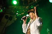 Nederland, Nijmegen, 8-5-2005Zangeres Bonnie St Claire treedt op tijdens de dag van het levenslied in het Valkhofpark.Foto: Flip Franssen/Hollandse Hoogte