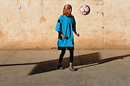 Unveiled soccer . A work about women's soccer in Moroco on the year of the first world cup in Africa