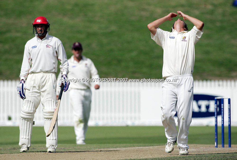 Northern District's Tim Southee (R) reacts to a boundry off his bowling during the State Championship Cricket Final between Northern Districts and Canterbury at Seddon Park, Hamilton, New Zealand on Sunday 25 March 2007. Photo: Hagen Hopkins/PHOTOSPORT<br />
