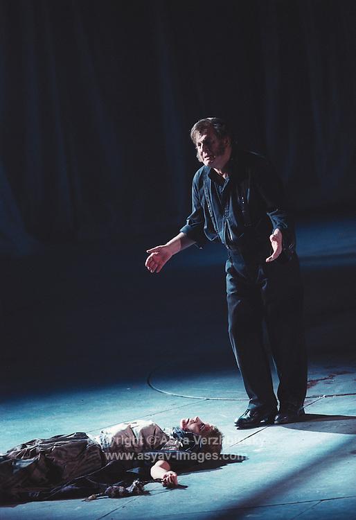 Tomas Allen in Royal Opera's Sweeney Todd