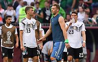 FUSSBALL WM 2018   Vorrunde Gruppe F -- Deutschland - Mexiko   17.06.2018 Thomas Mueller, Torwart Manuel Neuer und Mario Gomez (v.l., alle Deutschland) sind nach dem Abpfiff enttaeuscht