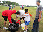 Students from HISD, Fort Bend ISD, and Cypress-Fairbanks ISD teamed up with Alief ISD students in an effort to beautify Alief Community Park through the Seed Planting For A Brighter Future event.<br /> To submit photos for inclusion in eNews, send them to hisdphotos@yahoo.com.