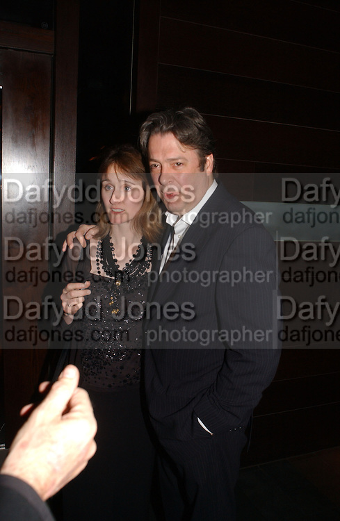Roger Allam andhis wife Rebecca. Blackbird press night,  Mint Leaf. London. 13 February 2006. ONE TIME USE ONLY - DO NOT ARCHIVE  © Copyright Photograph by Dafydd Jones 66 Stockwell Park Rd. London SW9 0DA Tel 020 7733 0108 www.dafjones.com