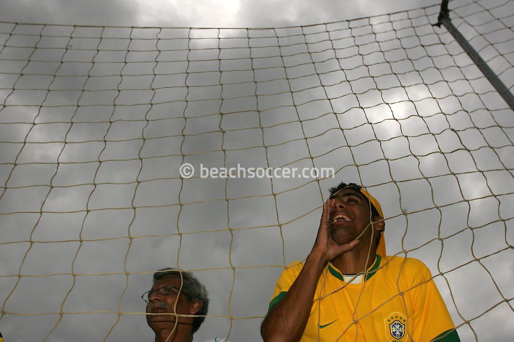 Football-FIFA Beach Soccer World Cup 2006 - Group A- Brazil - USA, Beachsoccer World Cup 2006. Brasilian's fan  - Rio de Janeiro - Brazil 07/11/2006. Mandatory credit: FIFA/ Manuel Queimadelos
