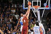 DESCRIZIONE : Campionato 2015/16 Serie A Beko Dinamo Banco di Sardegna Sassari - Umana Reyer Venezia<br /> GIOCATORE : Hrvoje Peric<br /> CATEGORIA : Tiro Penetrazione Sottomano Controcampo<br /> SQUADRA : Umana Reyer Venezia<br /> EVENTO : LegaBasket Serie A Beko 2015/2016<br /> GARA : Dinamo Banco di Sardegna Sassari - Umana Reyer Venezia<br /> DATA : 01/11/2015<br /> SPORT : Pallacanestro <br /> AUTORE : Agenzia Ciamillo-Castoria/C.Atzori