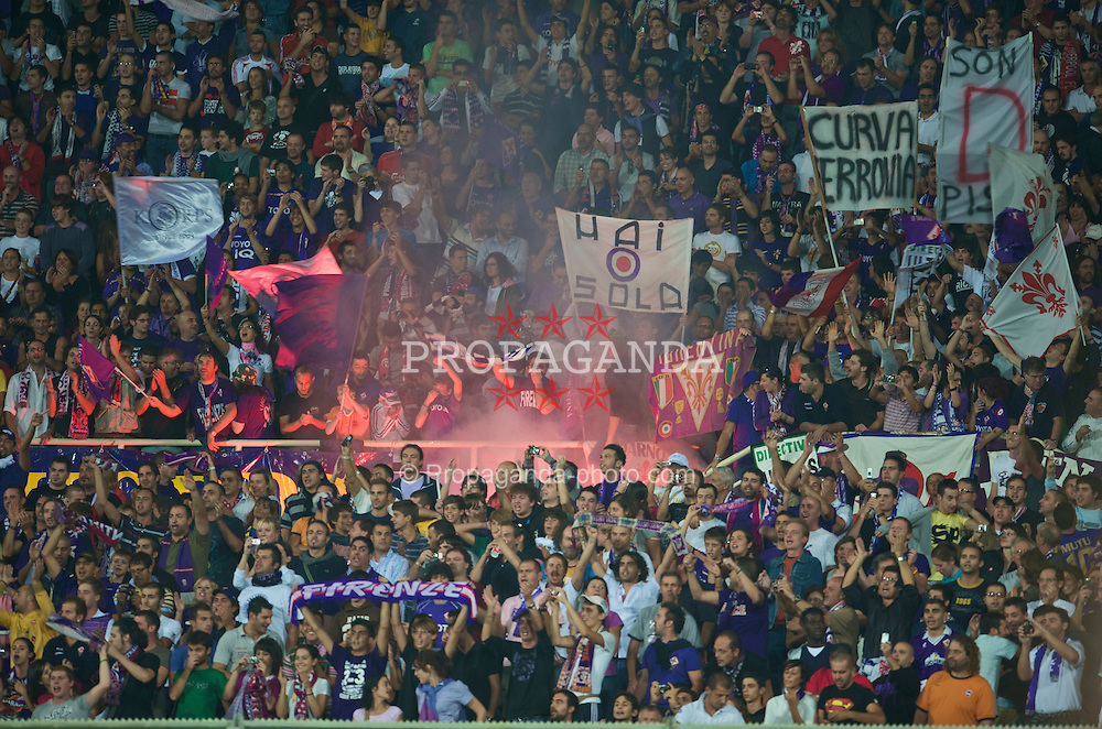 FLORENCE, ITALY - Tuesday, September 29, 2009: Fiorentina supporters before the UEFA Champions League Group E match against Liverpool at the Artemio Franchi. (Pic by David Rawcliffe/Propaganda)