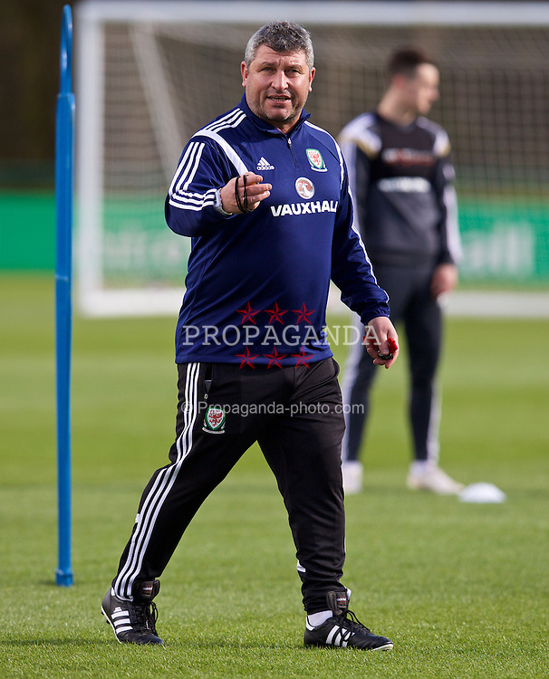 CARDIFF, WALES - Tuesday, March 24, 2015: Wales' coach Osian Roberts during a training session at the Vale of Glamorgan ahead of the UEFA Euro 2016 qualifying Group B match against Israel. (Pic by David Rawcliffe/Propaganda)