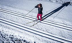 THEMENBILD - eine Frau auf Langlaufski auf einer Loipe, aufgenommen am 14. Januar 2020 in Kaprun, Österreich // a woman on cross-country skis on a cross-country track, Kaprun, Austria on 2020/01/14. EXPA Pictures © 2020, PhotoCredit: EXPA/ JFK